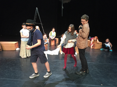 Theater AG spielt Oliver Twist